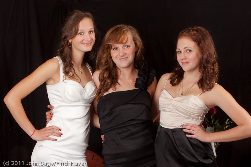 4728-b_VHS_Homecoming_Dance_2011_100111