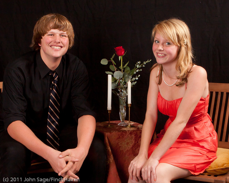 4777-b_VHS_Homecoming_Dance_2011_100111