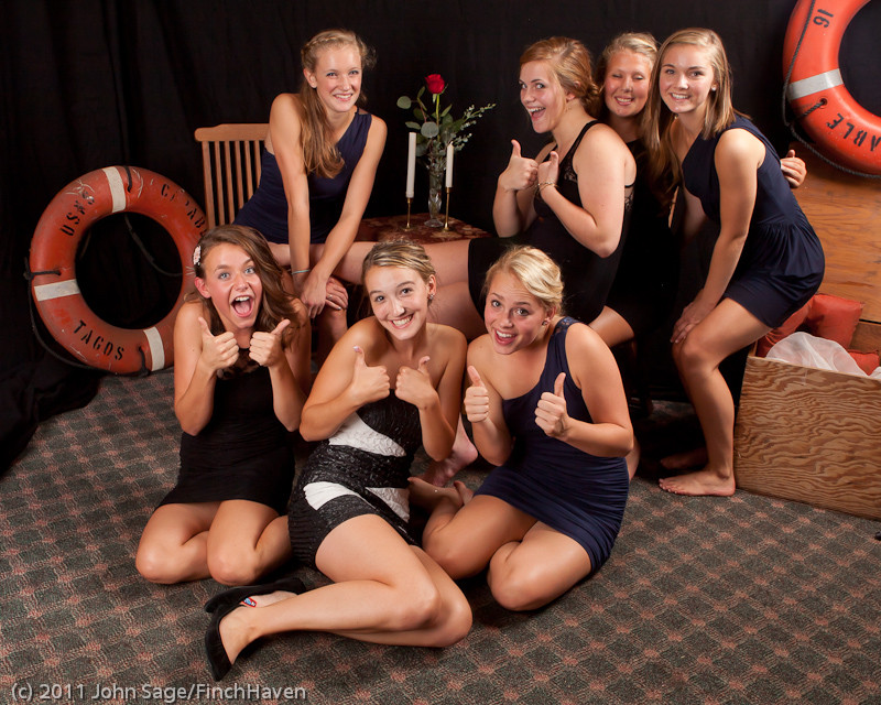 4812_VHS_Homecoming_Dance_2011_100111