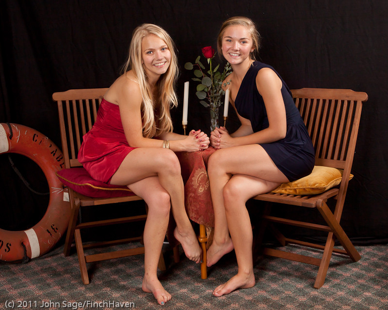 4904-a_VHS_Homecoming_Dance_2011_100111