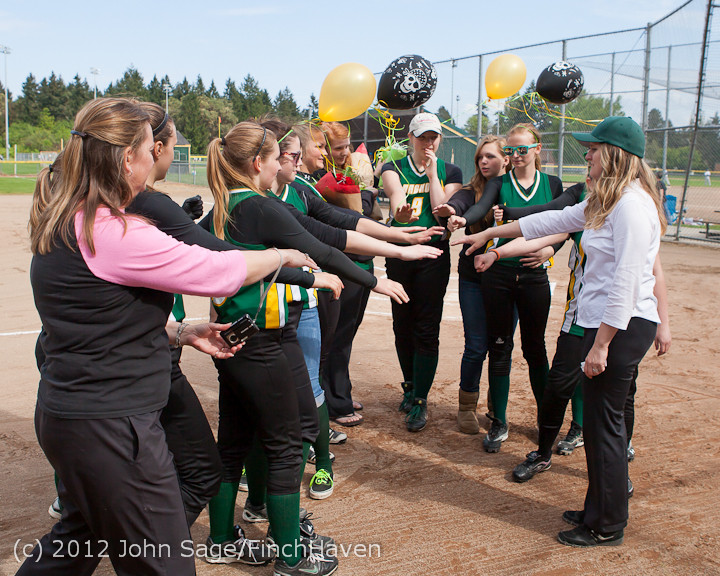 5522_VHS_Fastpitch_Seniors_2012_050812