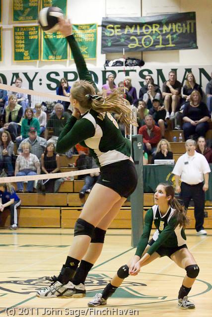 5392_Varsity_Volleyball_v_Casc-Chr_101011