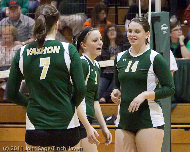 5604_Varsity_Volleyball_v_Casc-Chr_101011