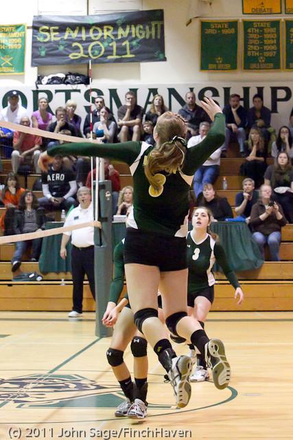5825_Varsity_Volleyball_v_Casc-Chr_101011
