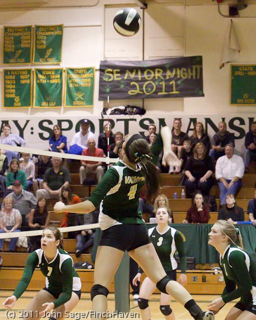 6211_Varsity_Volleyball_v_Casc-Chr_101011