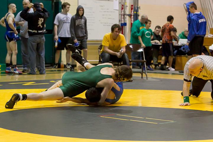 1654 VHS Wrestling at Sub-Regionals 020213