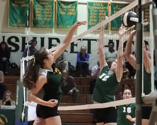 19987_Varsity_Volleyball_v_Chas-Wright_091310