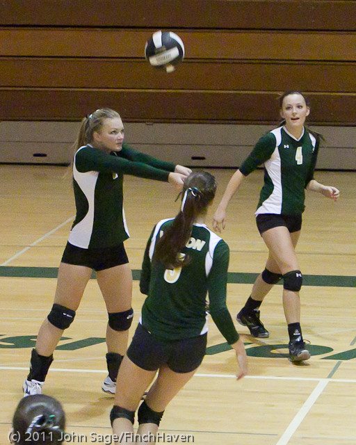 7683_Varsity_Volleyball_v_Chimacum_091911