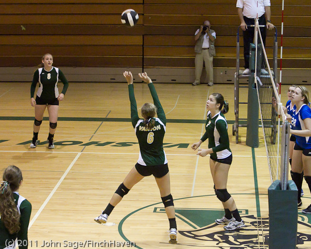 7777 Varsity Volleyball v Chimacum 091911
