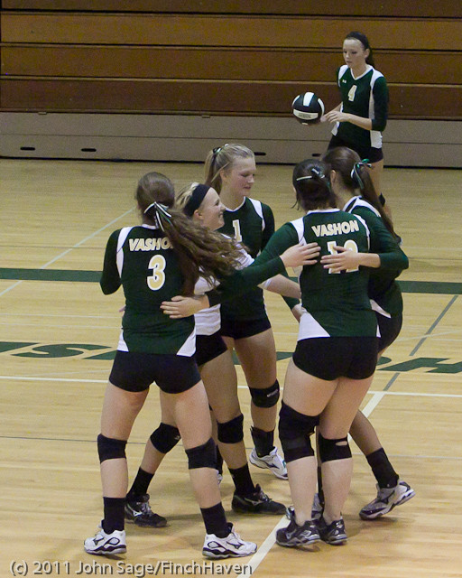 7940_Varsity_Volleyball_v_Chimacum_091911
