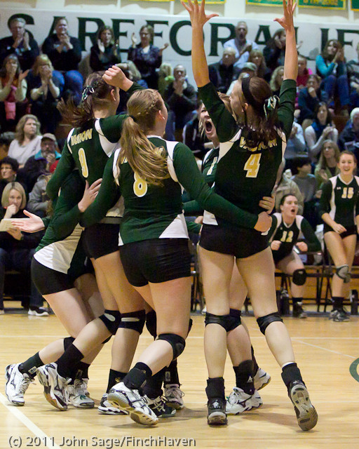 5000 Vashon v Lynden-Chr Volleyball Tri-Dist 110311