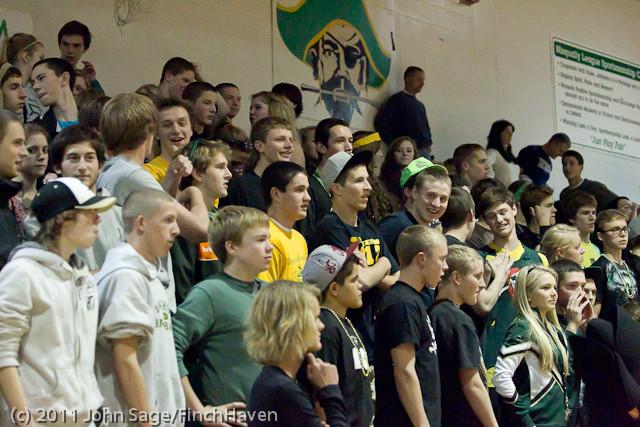 5434_Vashon_v_Lynden-Chr_Volleyball_Tri-Dist_110311