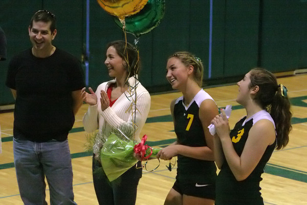 6310_Volleyball_Seniors_Night_102109