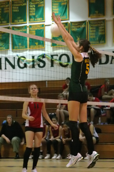 6734_Varsity_Volleyball_v_Orting_102109